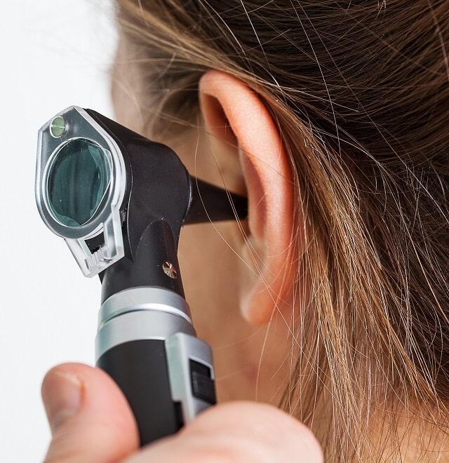 Bolest ucha lékař